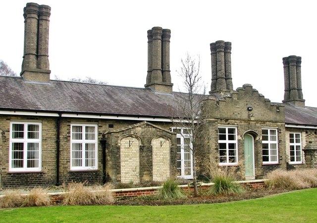 Gt Hospital White Cottages